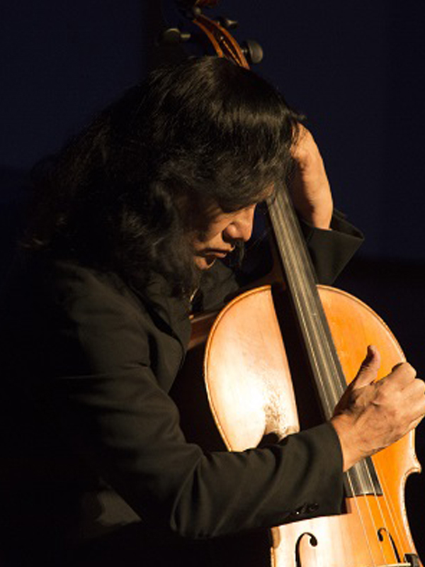 Yoshi Kikkawa